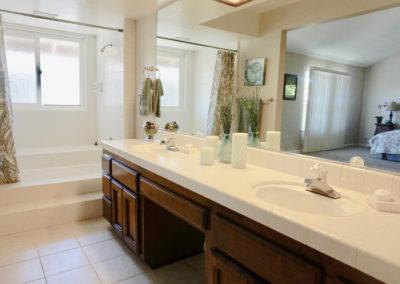 Sacramento, CA, Quay, Master Bathroom-1